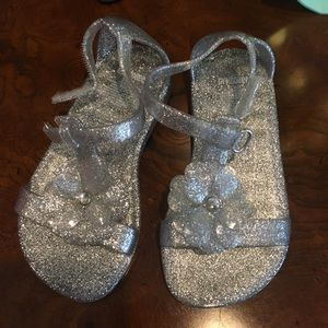 GYMBOREE TODDLER GIRL- JELLY SANDALS-SILVER CLEAR